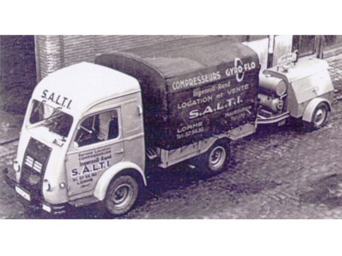 1960 - Création de l'activité location de matériel pour les TP