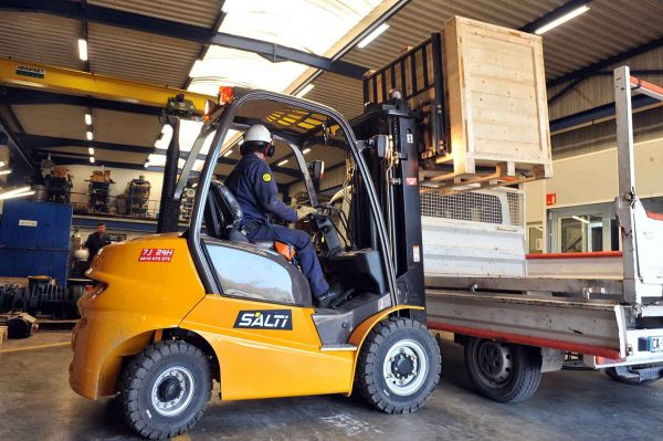 Chariot industriel en location chez SALTI